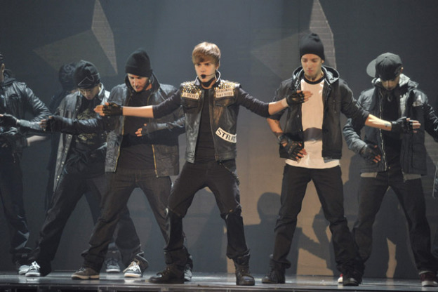 JB Performing Justin Biebers best Performance 2011