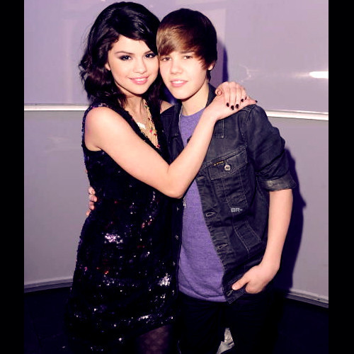 Justin Bieber Kissing Fan In Canada. Justin Bieber Recalls