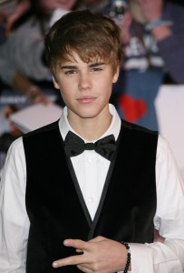 UK Never Say Never premiere 203x300 Justin Bieber Fearful of Fan Crushes 2011