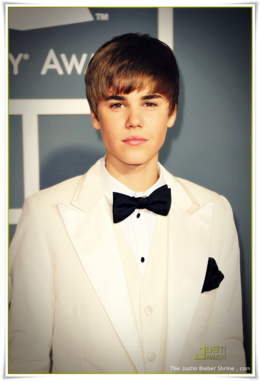 justinbieber grammys 2011 pictures redcarpet002 Justin Bieber Grammy Awards 2011 Red Carpet Pictures 2011