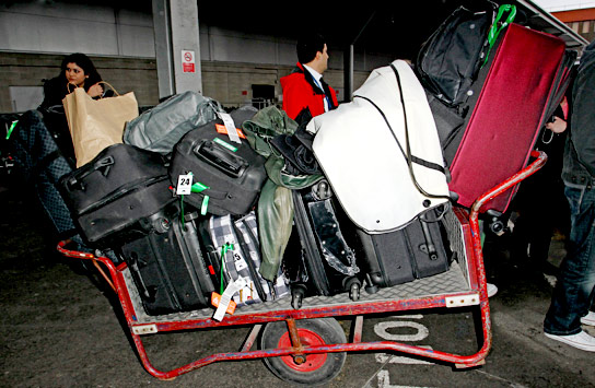 justinbieber london britawards 2011 luggage