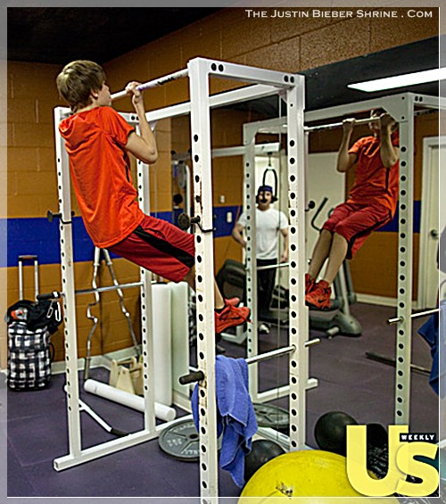 justinbiebermusclesworkingout 04 Justin Bieber muscle building work out pictures UsMagazine 2011