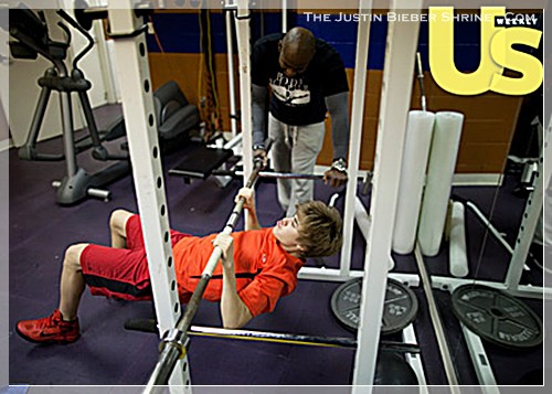 justinbiebermusclesworkingout 05 Justin Bieber muscle building work out pictures UsMagazine 2011