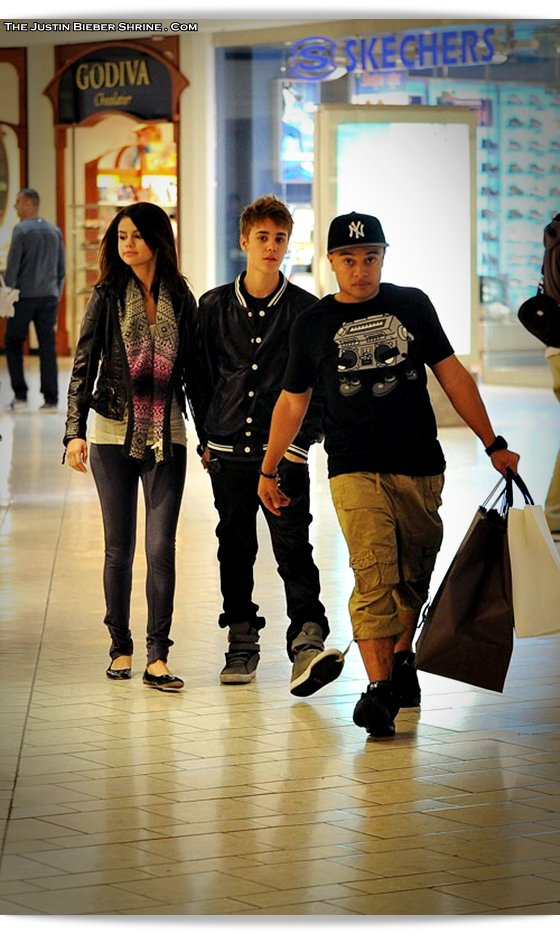 selenagomez justinbieber birthday 2011 03 Justin Bieber spent 17th birthday with Selena Gomez at Beverly Center Mall March 1, 2011 2011