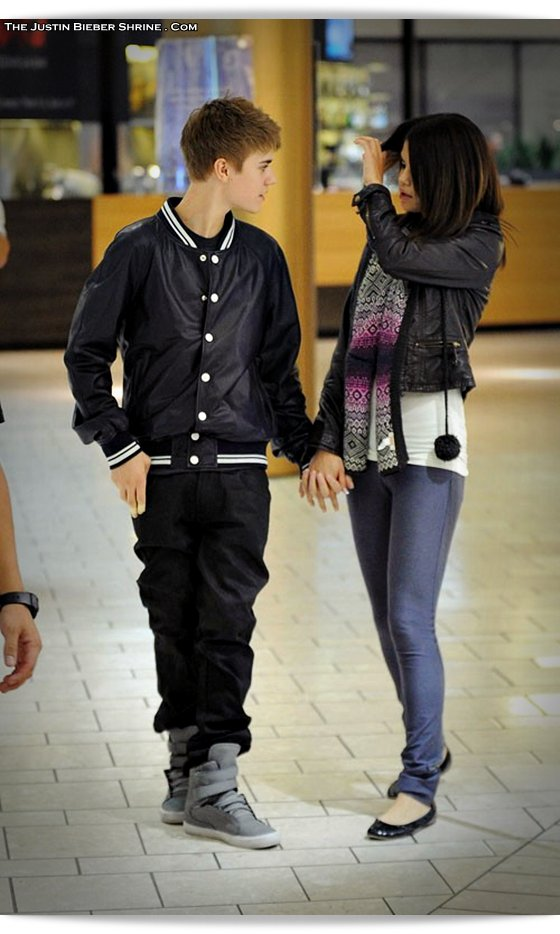 selenagomez justinbieber birthday 2011 a01 Justin Bieber spent 17th birthday with Selena Gomez at Beverly Center Mall March 1, 2011 2011