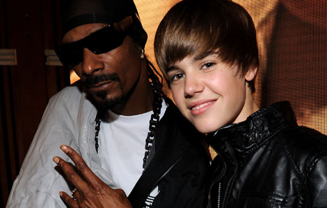 justin bieber hair flip moving picture. Justin Bieber Hair Flip Slow