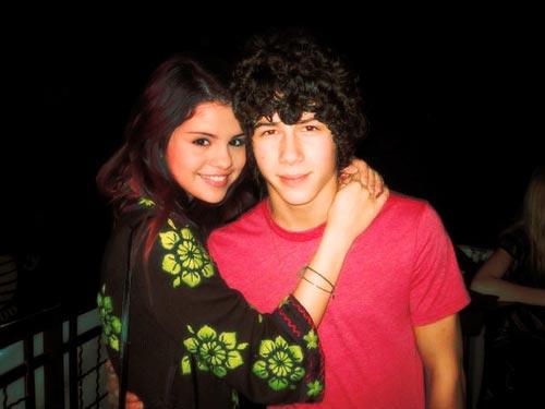 selena gomez and nick jonas kissing pics. Selena Gomez has been spotted