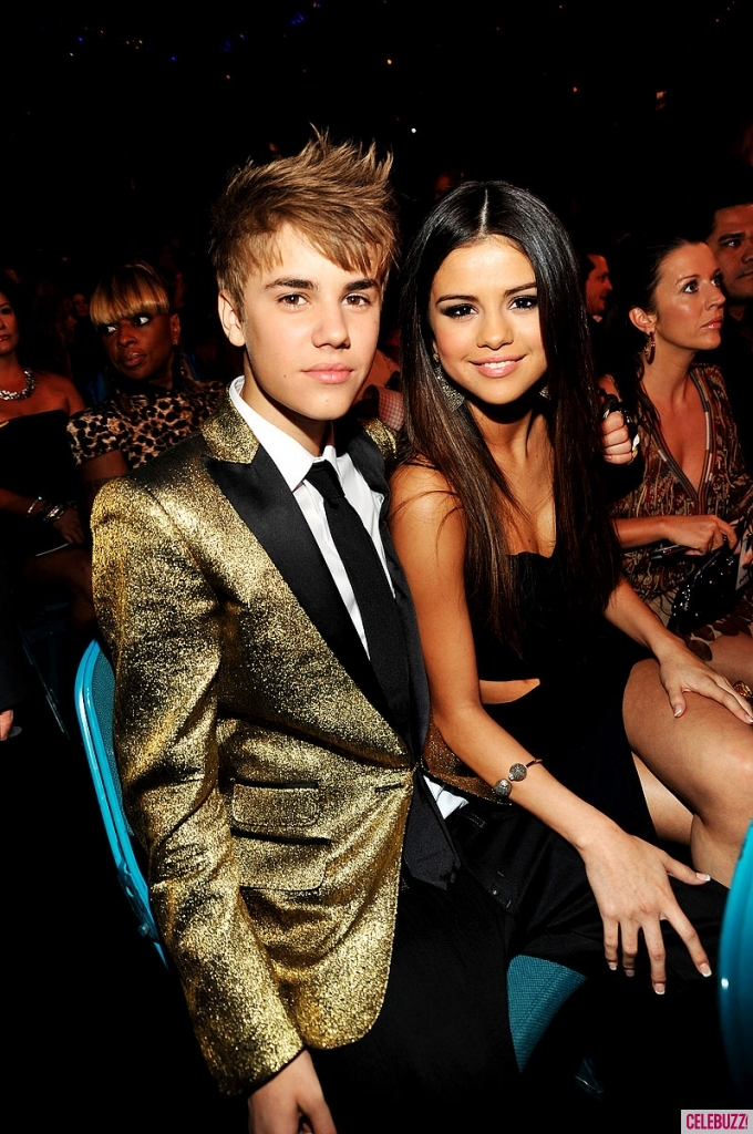 selena gomez justin bieber kiss billboard awards. Justin Bieber Billboard Music