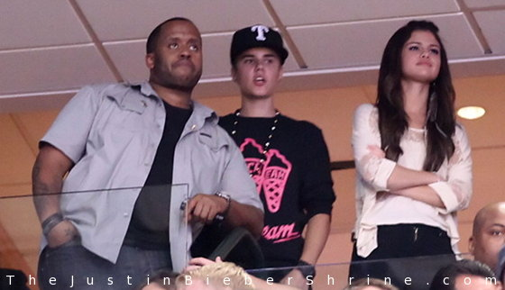 selena gomez nick jonas april 2011. Selena Gomez#39;s #39;Bang Bang