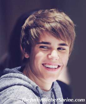 justinbiebersmiling Justin Bieber thinking about going to college 2011