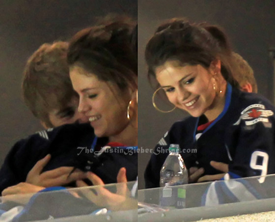 justin bieber squeezing selena gomez tits Justin Bieber touching Selena Gomezs boobs & butt in Winnipeg!! 2011