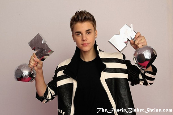 justin bieber best pop 2011 mtv emas