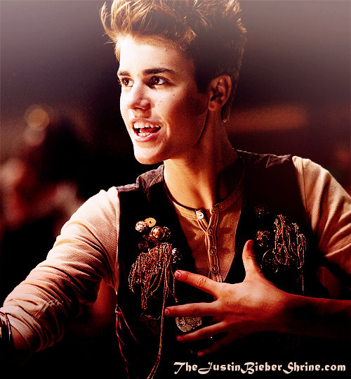 792hac: santa claus is coming to town justin bieber