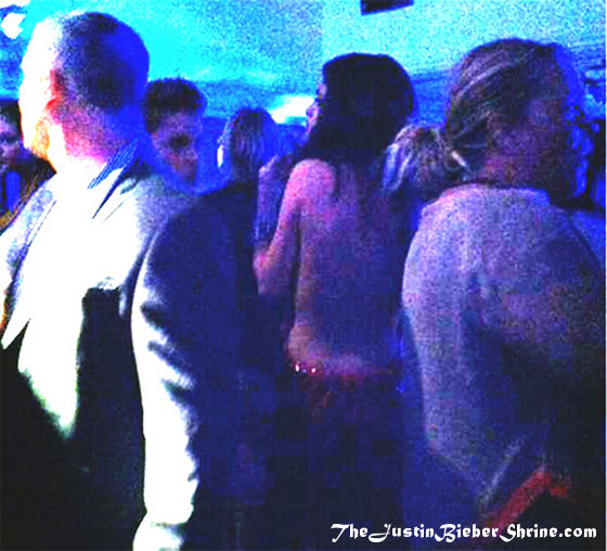 selena gomez topless justin bieber Justin Bieber and Selena Gomez topless @ LMFAO EMA after party 2011