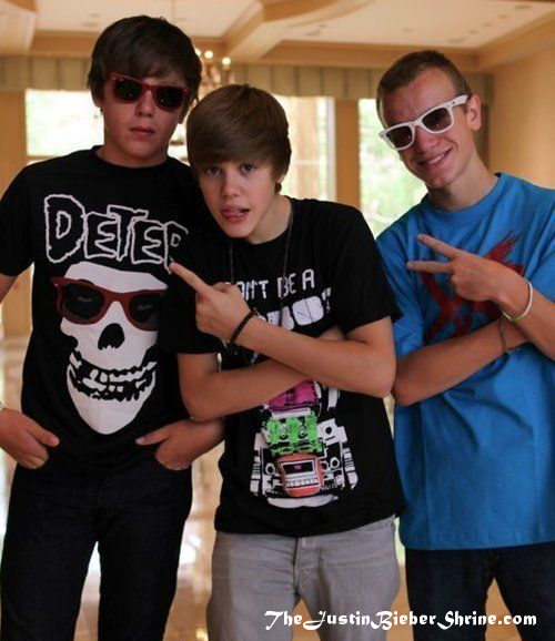 chazsomers justinbieber ryanbutler Justin Bieber & Chaz Somers are no longer best friends? 2011