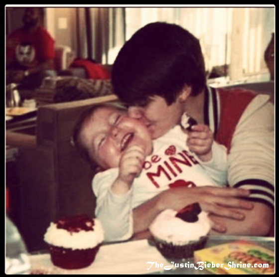 justin bieber kissing girl 2012 avalanna routh