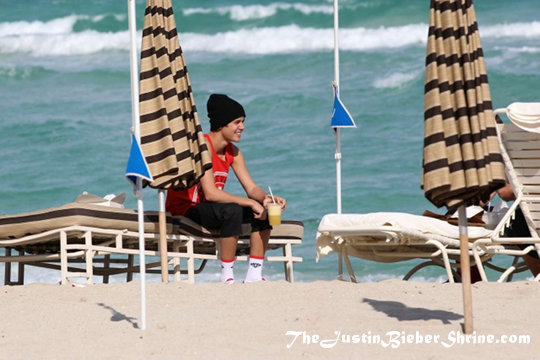 justin bieber miami beach pictures 2012