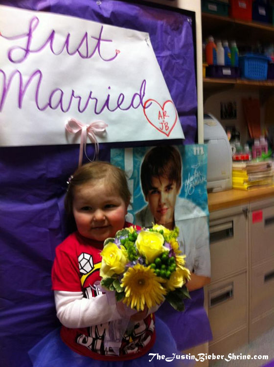 justin bieber's girlfriend 2012 avalanna routh