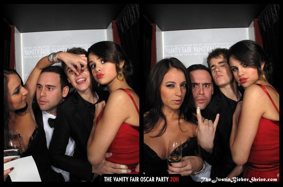 Sexy Justin Bieber & Selena Gomez Kissing Pictures at Vanity Fair Photobooth 2011