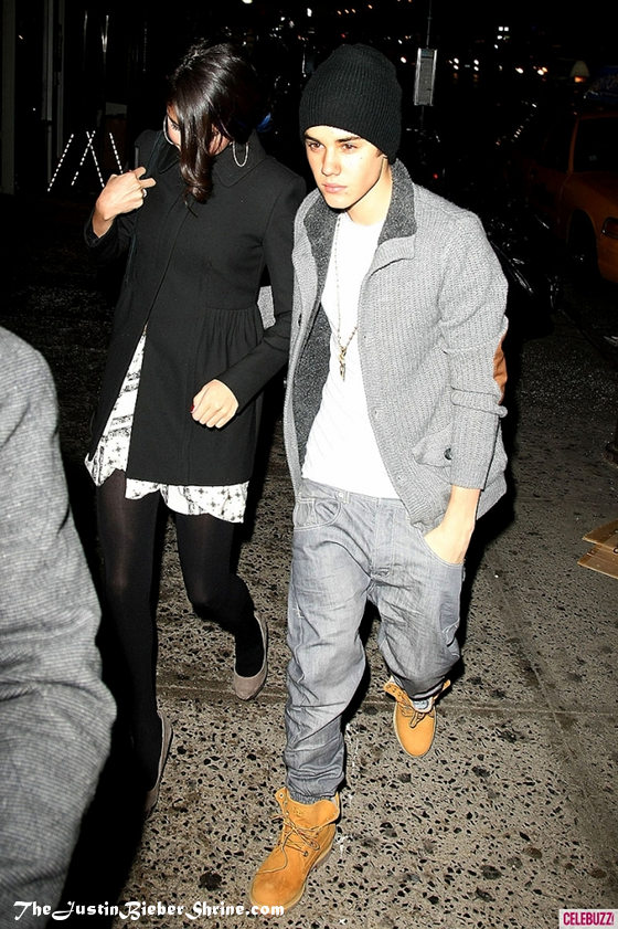 justin bieber dating Justin bieber just can't seem to let go of his exes the 24-year-old singer recently split from selena gomez after rekindling their romance last year, and now.