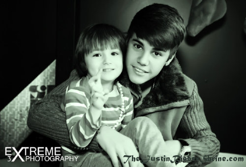 justin biebers sister jazmyn bieber 2012 Justin Biebers Family Photoshoot Pictures March 2012 2011