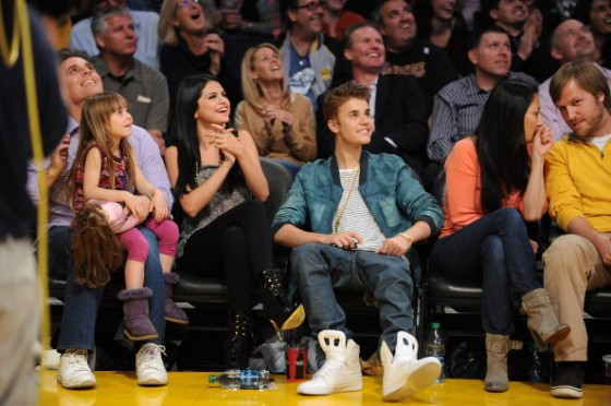 Justin Bieber And Selena Gomez Kiss Cam Lakers Game