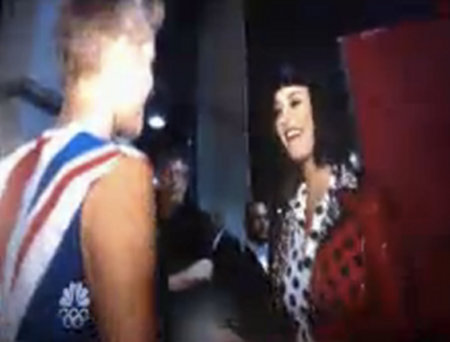 Katy Perry grabbing Justin Bieber's Butt