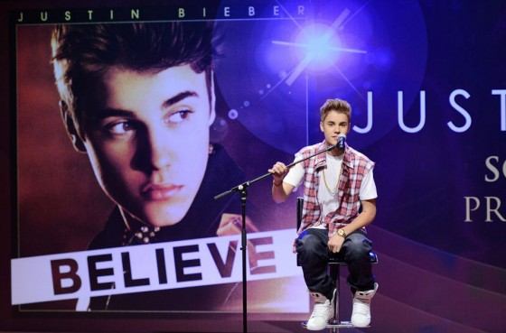 justin bieber malaysia july 2012 560x369 Justin Bieber Malaysia South East Asia Press Conference June 13, 2012 2011
