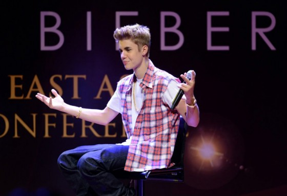 justin bieber south east asia press conference 560x383 Justin Bieber Malaysia South East Asia Press Conference June 13, 2012 2011