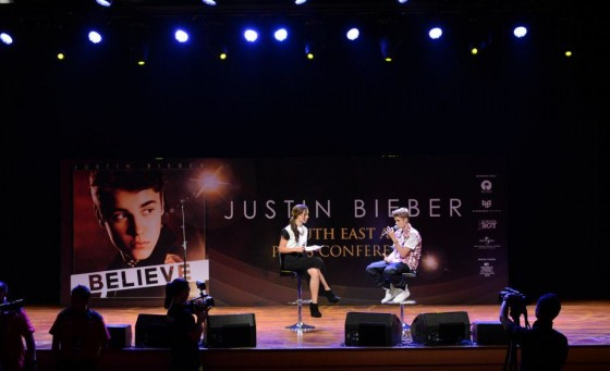 justinbiebermalaysia2012 560x341 Justin Bieber Malaysia South East Asia Press Conference June 13, 2012 2011