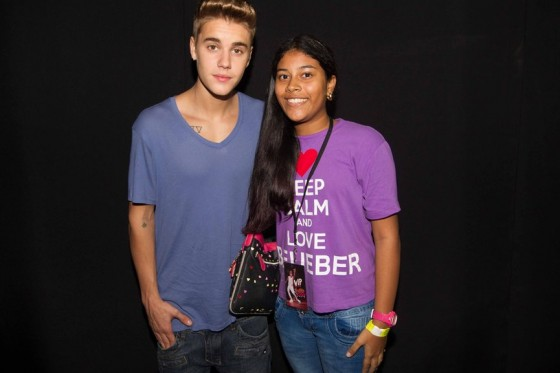 justin-bieber-panama-city-meet-and-greet-2013-04
