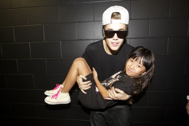 justin-bieber-auckland-nz-meet-greet-nov2013-01