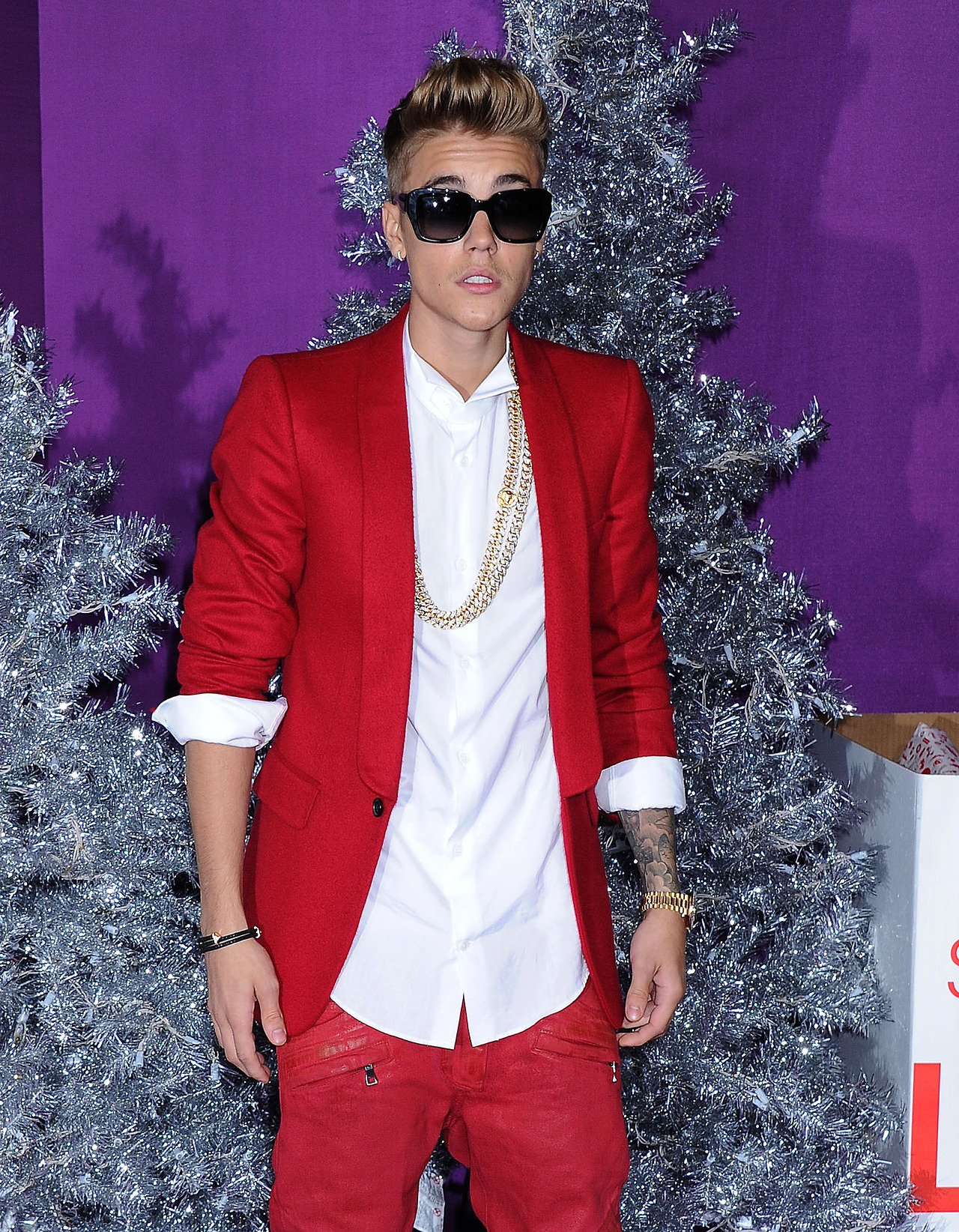 justin-bieber-believe-premiere-red-carpet-22
