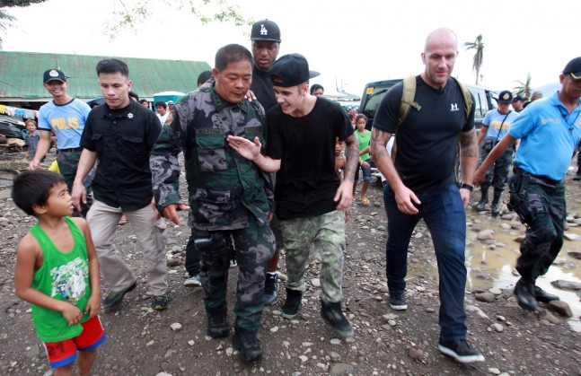 Justin Bieber Visits Areas Of Philippines Left Devastated By Typhoon Haiyan