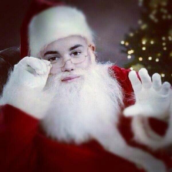 Justin Bieber Santa Claus